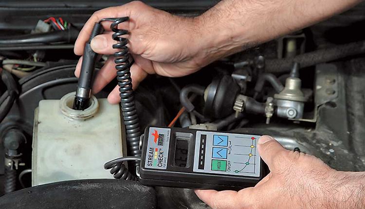 Проверка качества тормозной жидкости тестером